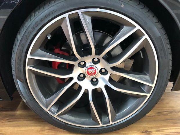 Photo miniature de la Jaguar F-Type Coupe 3.0 V6 Suralimenté 380ch R-Dynamic AWD BVA8 2018 d'occasion