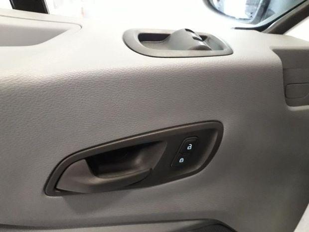 Photo miniature de la Ford Transit 2T Fg T330 L2H2 2.0 EcoBlue 130ch Trend Business 2019 d'occasion