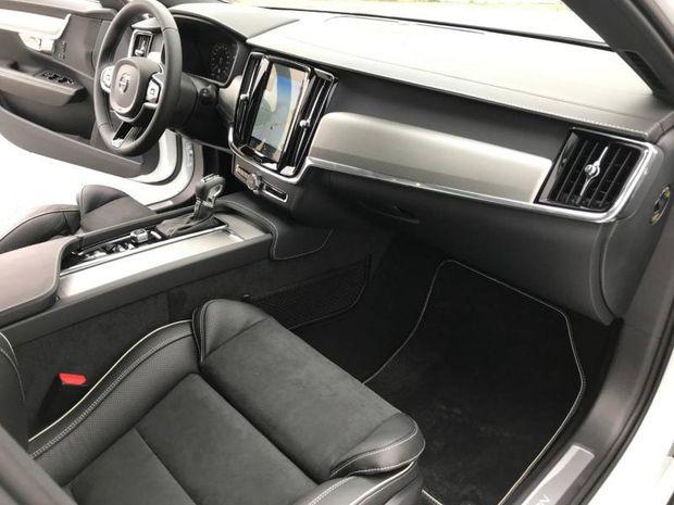 Photo miniature de la Volvo V90 D4 AdBlue 190ch R-Design Geartronic 2019 d'occasion