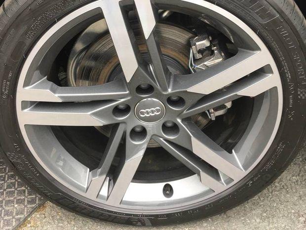 Photo miniature de la Audi A4 Avant 2.0 TDI 150 S tronic 7 S line 2019 d'occasion