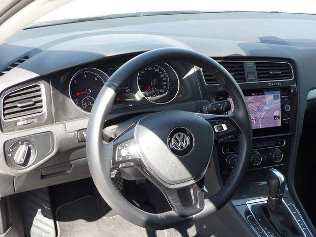 Photo miniature de la Volkswagen Golf 1.6 TDI 115 BlueMotion Technology FAP DSG7 Confortline Business 2018 d'occasion