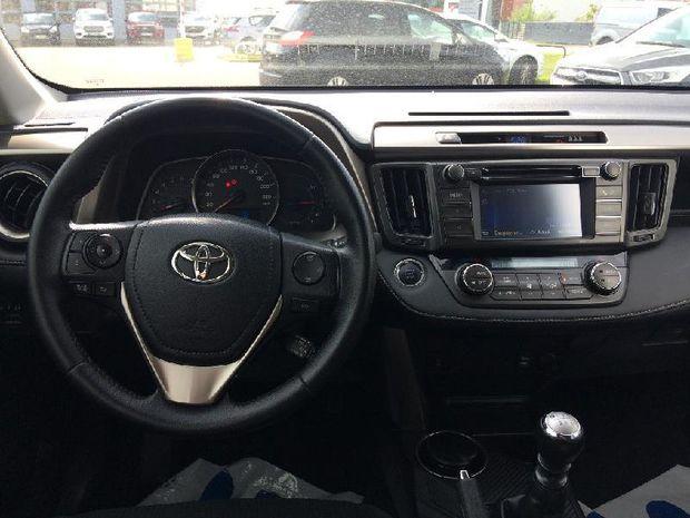 Photo miniature de la Toyota RAV4 124 D-4D White Edition 2WD 2015 d'occasion