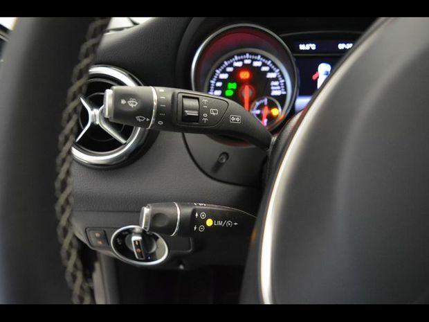 Photo miniature de la Mercedes GLA Classe  200 156ch Sensation 7G-DCT Euro6d-T 2018 d'occasion