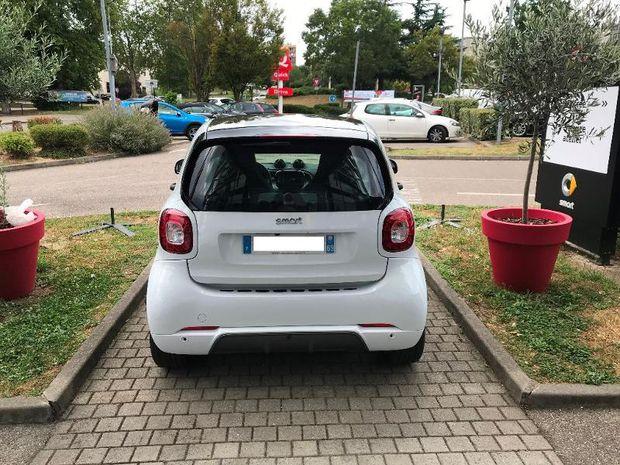 Photo miniature de la Smart fortwo Coupe 90ch Brabus style twinamic E6c 2019 d'occasion