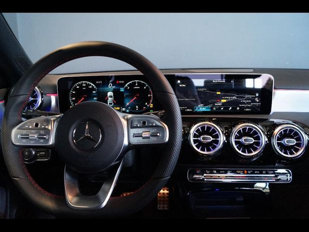 Photo miniature de la Mercedes Classe A Berline 180 d 116ch AMG Line 7G-DCT 2019 d'occasion