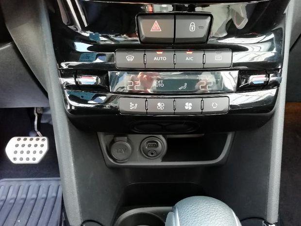 Photo miniature de la Peugeot 2008 1.2 PureTech 110ch GT Line S&S EAT6 2018 d'occasion