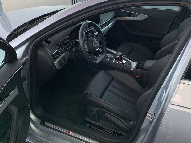 Photo miniature de la Audi A4 Avant 40 TDI 190 S tronic 7 Quattro Design Luxe 2018 d'occasion