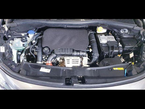 Photo miniature de la Peugeot 2008 1.2 PureTech 110h E6.c Style S&S 2018 d'occasion