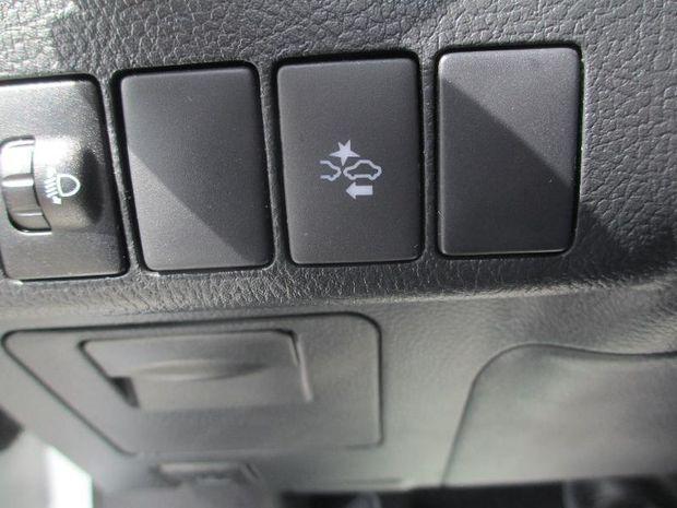 Photo miniature de la Toyota Auris HSD 136h Tendance RC18 2018 d'occasion