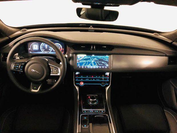 Photo miniature de la Jaguar XF 2.0T 250ch R-Sport BVA 2019 d'occasion