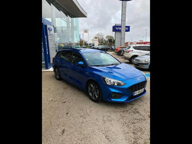 Photo miniature de la Ford Focus SW 2.0 EcoBlue 150ch Stop&Start ST-Line Business 2018 d'occasion