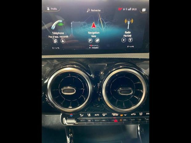 Photo miniature de la Mercedes Classe A 160 109ch AMG Line 2019 d'occasion