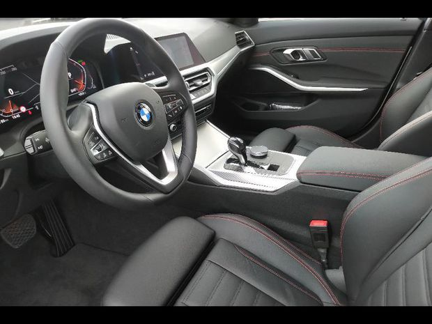 Photo miniature de la BMW Serie 3 Touring 320dA xDrive 190ch Edition Sport 2019 d'occasion
