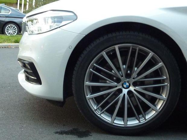 Photo miniature de la BMW Serie 5 Touring 530dA xDrive 265ch Sport Steptronic 2017 d'occasion