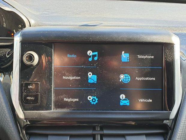 Photo miniature de la Peugeot 2008 1.5 BlueHDi 100ch E6.c Allure S&S BVM5 86g 2019 d'occasion