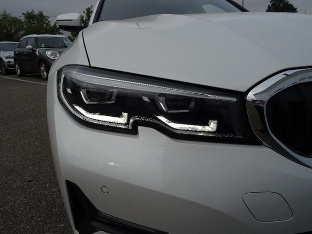 Photo miniature de la BMW Serie 3 Touring 320dA xDrive 190ch Edition Sport 2019 d'occasion