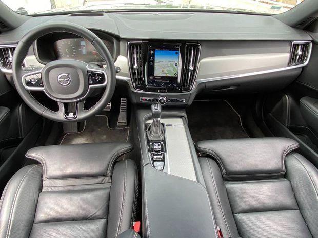 Photo miniature de la Volvo V90 D5 AdBlue AWD 235ch R-Design Geartronic 2019 d'occasion