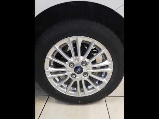 Photo miniature de la Ford Ka + 1.2 Ti-VCT 85ch S&S Ultimate 2019 d'occasion