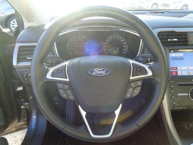 Photo miniature de la Ford Mondeo 2.0 TDCi 180ch Vignale PowerShift 4p 2017 d'occasion