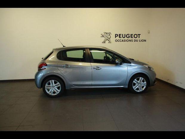 Photo miniature de la Peugeot 208 1.2 PureTech 82ch SIGNATURE 5p 2019 d'occasion