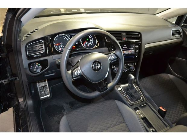 Photo miniature de la Volkswagen Golf 1.6 TDI 115 FAP DSG7 2019 d'occasion