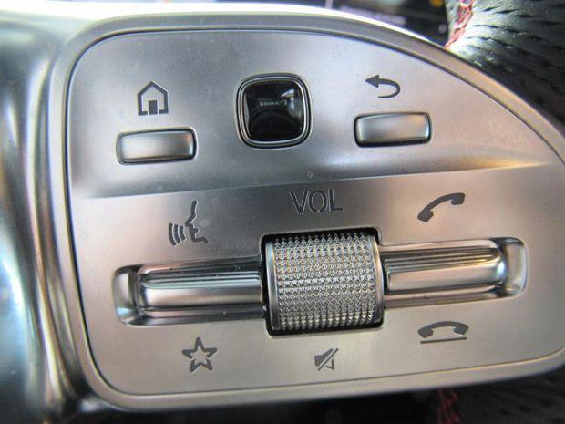 Photo miniature de la Mercedes CLA 180 d 116ch AMG Line 7G-DCT 2019 d'occasion