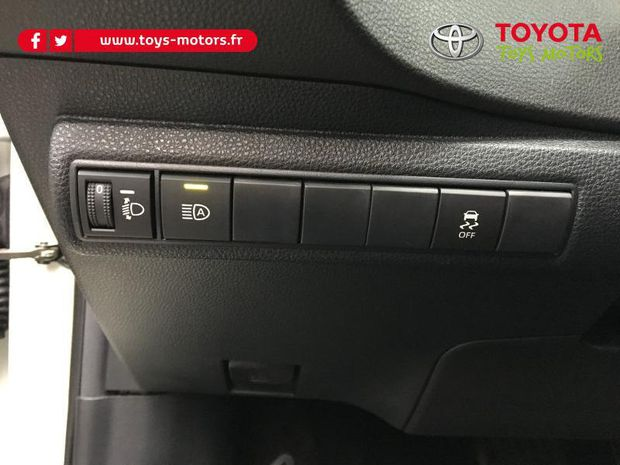 Photo miniature de la Toyota Corolla 180h Design MY20 2019 d'occasion