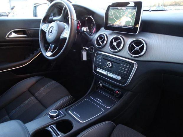 Photo miniature de la Mercedes CLA 180 Sensation 7G-DCT Euro6d-T 2019 d'occasion