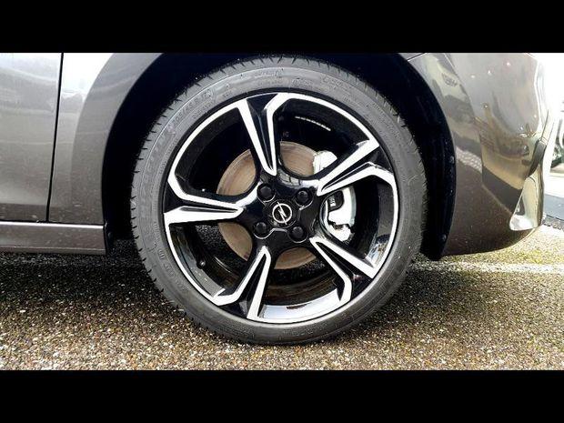 Photo miniature de la Opel Corsa 1.5 D 100 Elegance navigation car play 2019 d'occasion