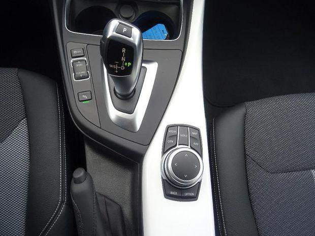 Photo miniature de la BMW Serie 1 118iA 136ch UrbanChic 5p Euro6d-T 2019 d'occasion
