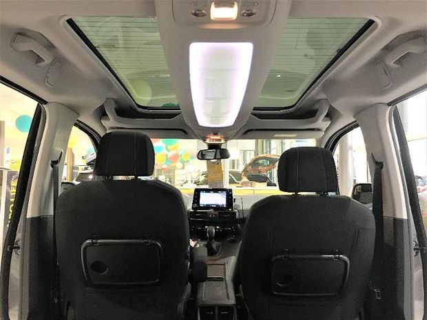 Photo miniature de la Opel Combo Life 1.5D 100 Innovation Camera GPS 2018 d'occasion