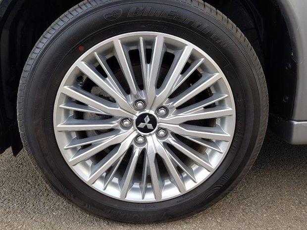Photo miniature de la Mitsubishi Outlander PHEV PHEV Twin Motor Intense 4WD 2019 d'occasion