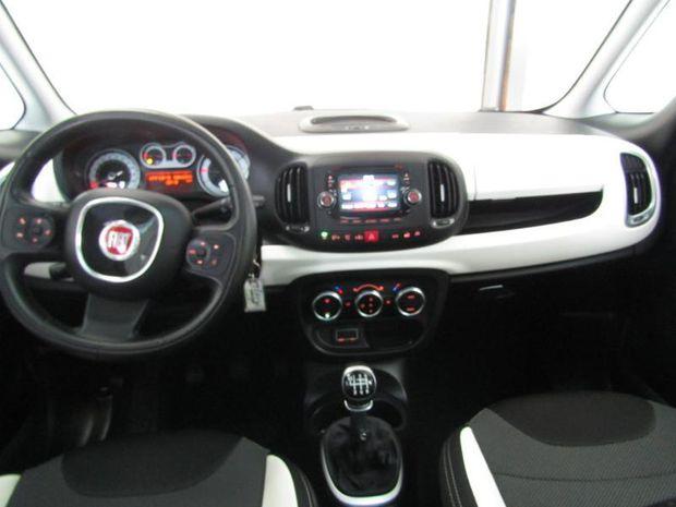 Photo miniature de la Fiat 500L 1.6 Multijet 16v 120ch S&S Weekend 2017 d'occasion