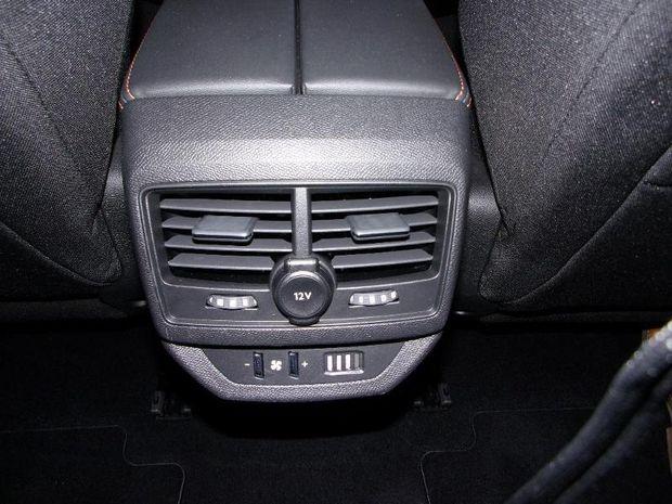 Photo miniature de la Peugeot 5008 1.2 PureTech 130ch E6.c Active Business S&S 2019 d'occasion