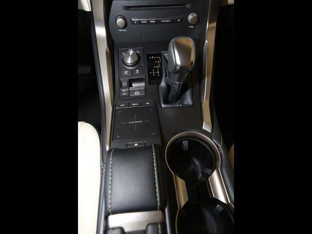 Photo miniature de la Lexus NX 300h 4WD F SPORT 2018 d'occasion