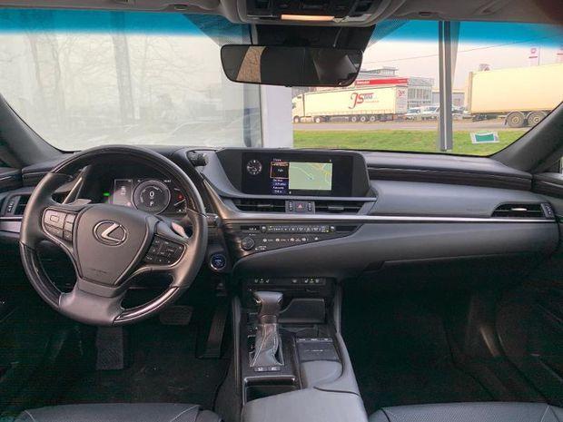 Photo miniature de la Lexus ES 300h Luxe 2019 d'occasion