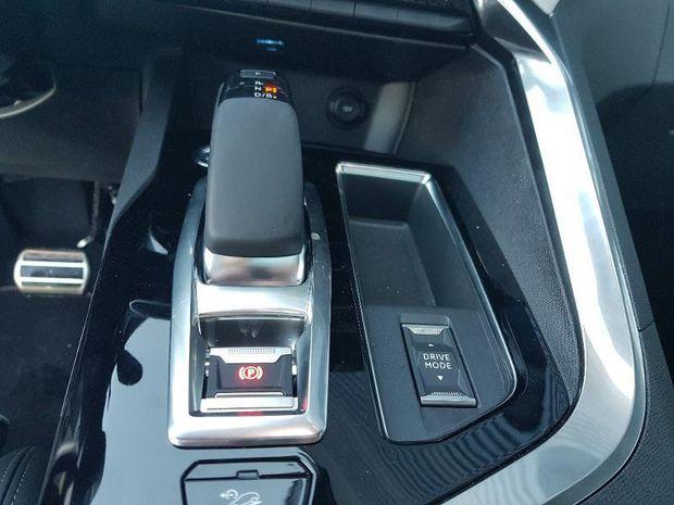 Photo miniature de la Peugeot 3008 HYBRID4 300ch GT e-EAT8 2020 d'occasion