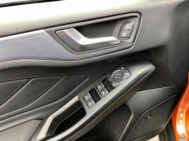 Photo miniature de la Ford Focus Active 1.0 EcoBoost 125ch Stop&Start Business 2019 d'occasion