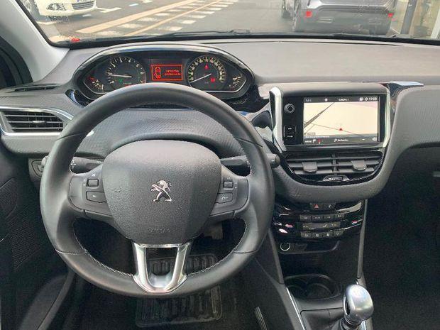 Photo miniature de la Peugeot 208 1.2 PureTech 110ch Allure S&S 5p 2019 d'occasion