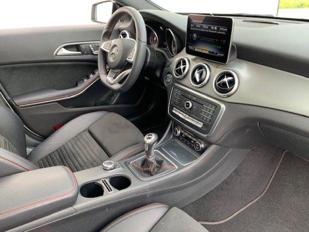 Photo miniature de la Mercedes CLA 180 d Fascination 2018 d'occasion