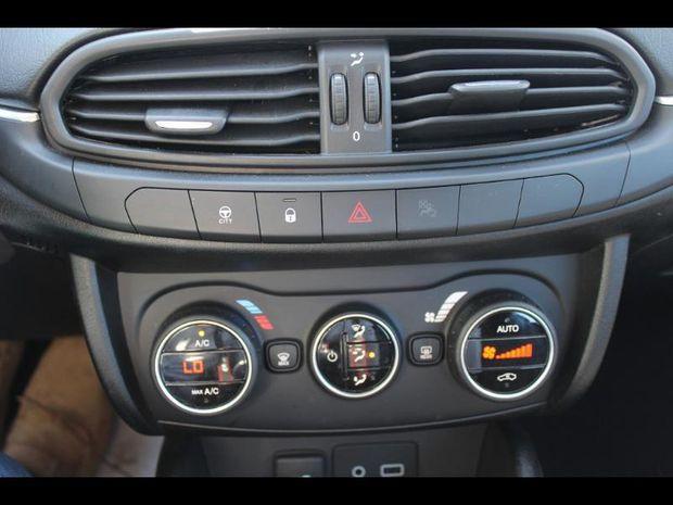 Photo miniature de la Fiat Tipo 1.4 95ch Easy 5p 2017 d'occasion