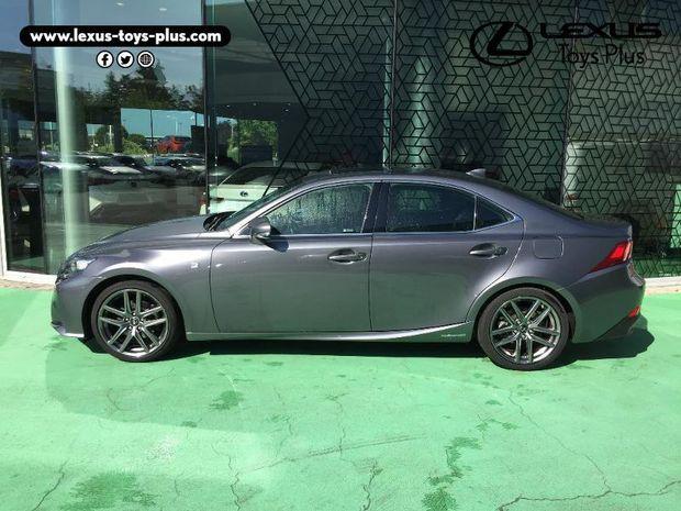 Photo miniature de la Lexus IS 300h F SPORT 2016 d'occasion