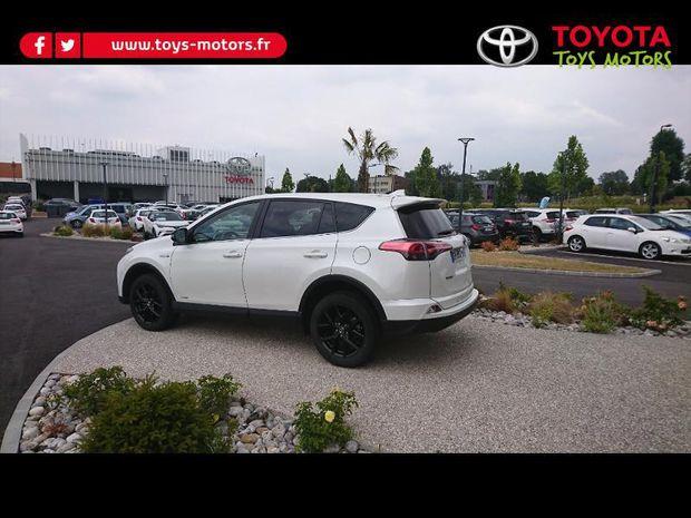 Photo miniature de la Toyota RAV4 197 Hybride Black Edition 2WD CVT 2018 d'occasion