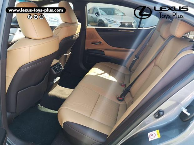 Photo miniature de la Lexus ES 300h Luxe 2019 d'occasion