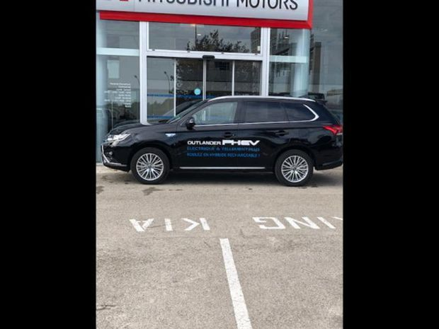 Photo miniature de la Mitsubishi Outlander PHEV PHEV Twin Motor Intense 4WD 2019 d'occasion