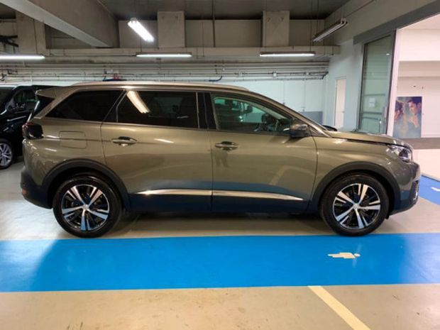 Photo miniature de la Peugeot 5008 1.2 PureTech 130ch E6.3 Allure S&S EAT8 6cv 2019 d'occasion