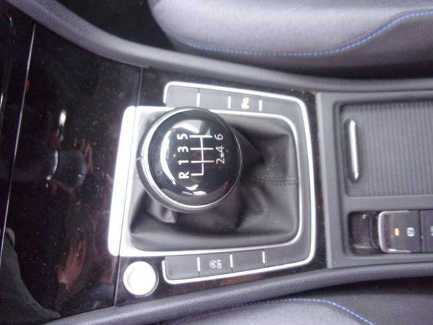 Photo miniature de la Volkswagen Golf 1.0 TSI 115ch Connect Euro6d-T 5p 2018 d'occasion