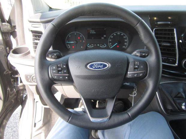 Photo miniature de la Ford Tourneo Custom 320 L2H1 2.0 EcoBlue 170ch Titanium Euro6.2 2019 d'occasion