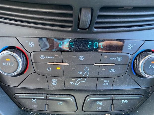 Photo miniature de la Ford Kuga 1.5 TDCi 120ch Stop&Start Titanium 4x2 Euro6.2 2020 d'occasion
