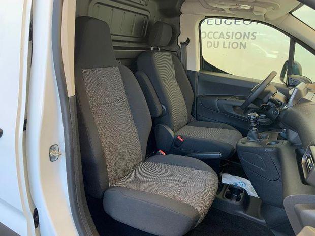 Photo miniature de la Peugeot Partner Standard 650kg Puretech 110ch S&S Pro 2019 d'occasion